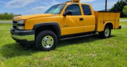 2006 Chevrolet 2500 HD Extended Cab 4WD Utility Truck