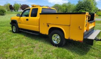 2006 Chevrolet 2500 HD Extended Cab 4WD Utility Truck full